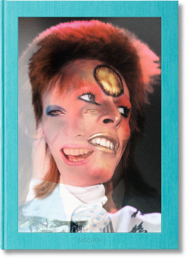 This book takes readers to the heart of Bowie's inner circle and boundary-breaking superstardom during the groundbreaking Ziggy Stardust world tour. ...