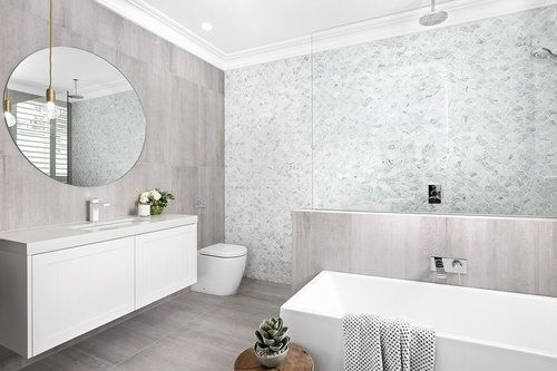 House 5 - Ensuite @dorfaustralia Epic Splice basin mixer, Caroma Quinn 570 Under counter basin, Caroma Liano 1400 freestanding bath, @dorfaustralia Enigma bath/shower mixers & rail shower, Caroma Urbane wall faced invisi series II® toilet suite  https://www.caroma.com.au/