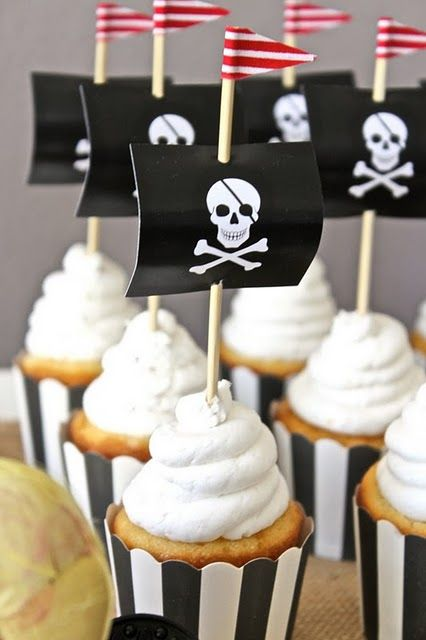 The perfect cupcake collar and topper for a pirate party.