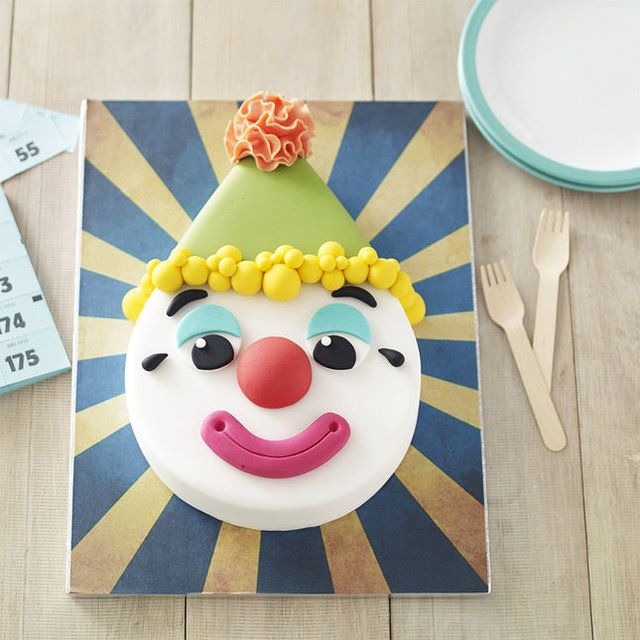 It's not easy cutting a teardrop shape out of cake, but with the right-shaped pan to start with, the shape you're after is guaranteed – just the thing for a clown's head, hat and all!  Anodised aluminium for an even bake and easy clean up.