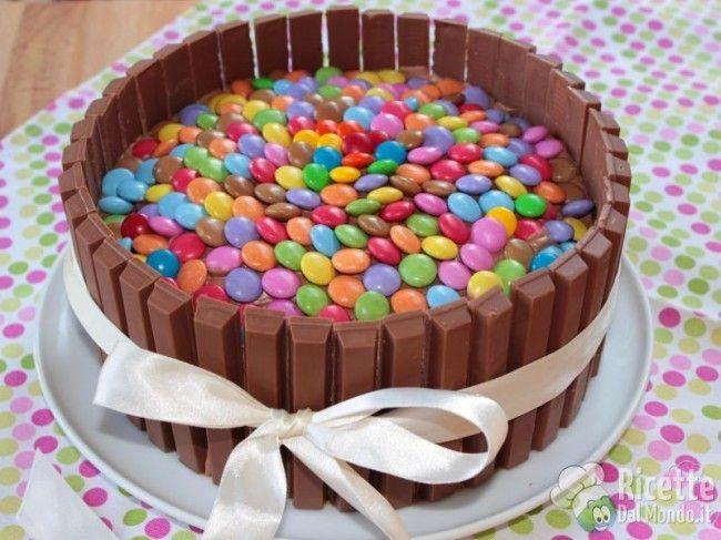 Ricetta per Torta Kit Kat e Smarties