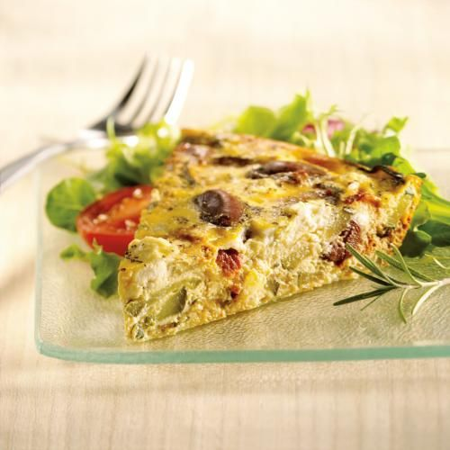 Enjoy the flavours of the Mediterranean with this quick and easy crustless quiche. A great brunch or easy dinner, this quiche is filled with crumbled goat cheese, kalamata olives, sun-dried tomatoes and zucchini.