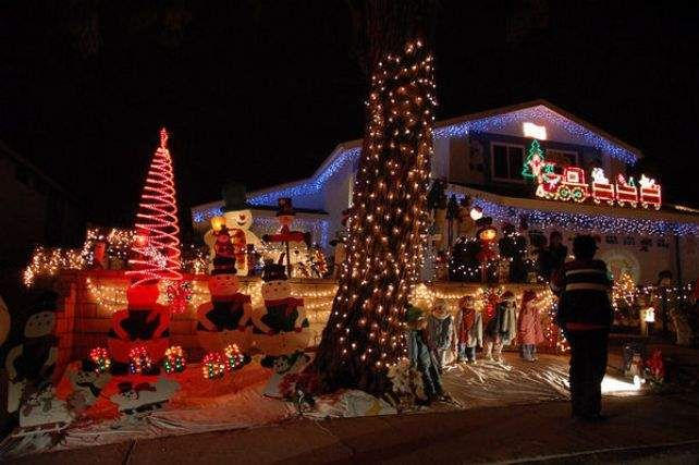 America's best streets for Christmas lights