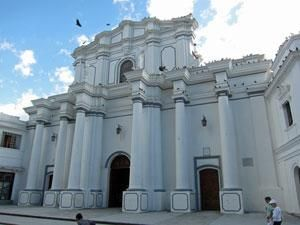 Heard of the city of #Popayan? Find out why it is the name for our house dark #chocolate http://www.5dchocolates.com/blog/popayan-house-dark-chocolate-70-cacao-colombia/…