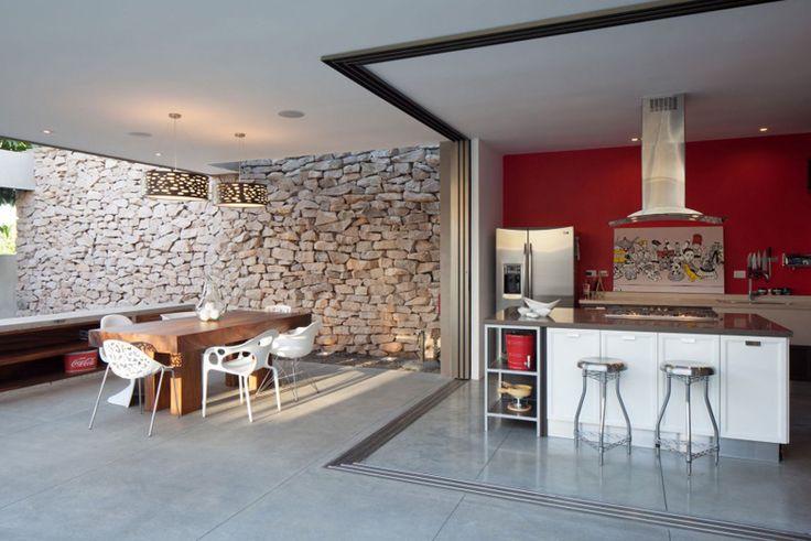Rustic Meets Modern: Garden House by Cincopatasalgato   http://www.designrulz.com/design/2015/09/rustic-meets-modern-garden-house-by-cincopatasalgato/
