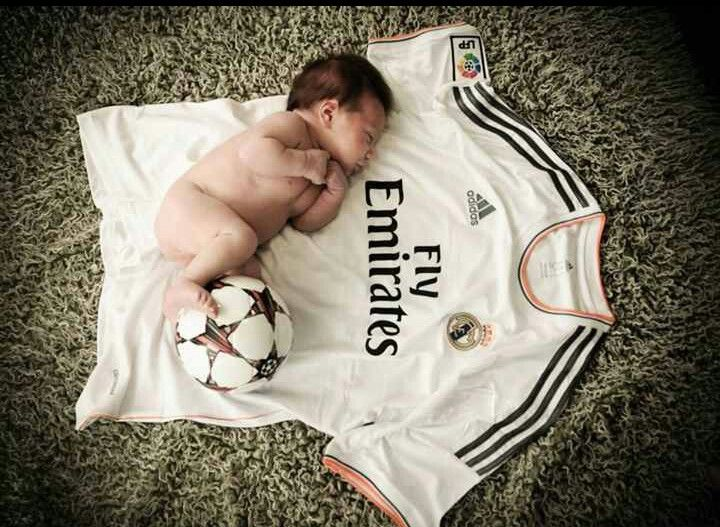 First month. With daddy.  Baby photos. Soccer. Real madrid. Goalkeeper.