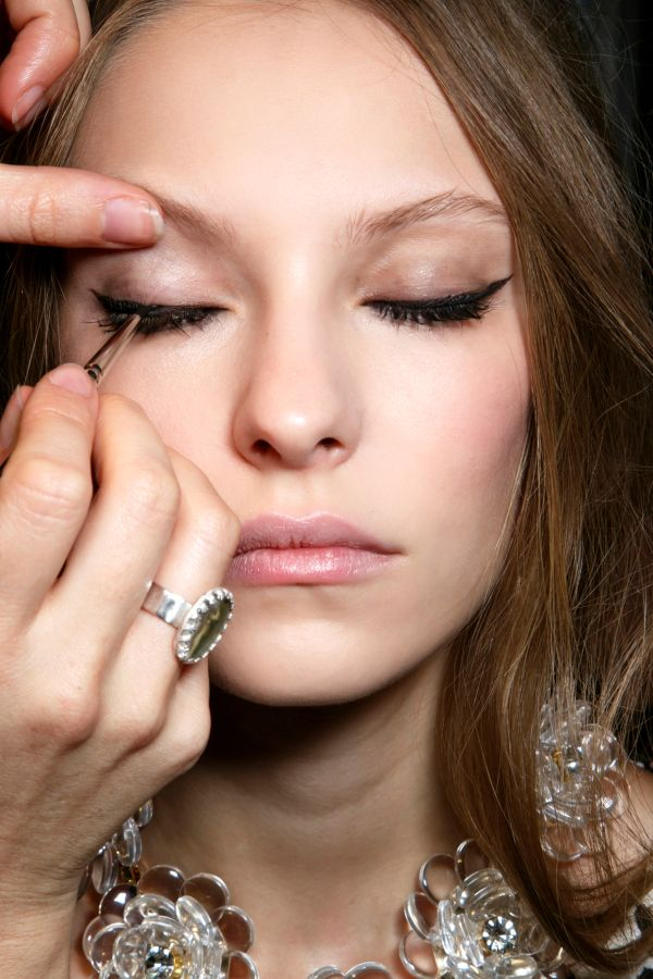 The Easy Cat Eye: A Stress Free Way to Get Winged Eyeliner