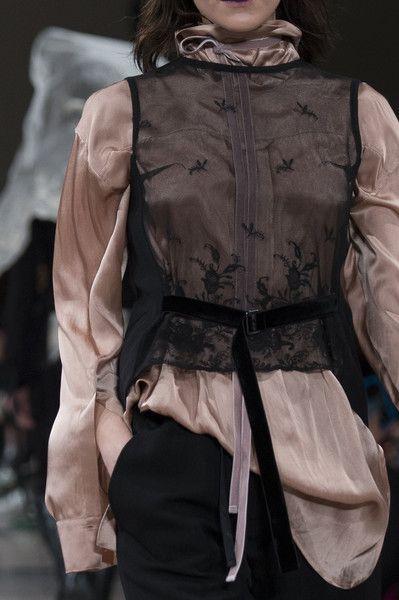 Ann Demeulemeester at Paris Fashion Week Fall 2017 - Details Runway Photos
