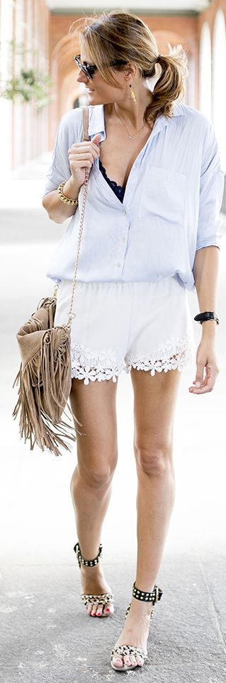 Zara White Women's Floral Lace Hem Shorts by Guiadeestilo