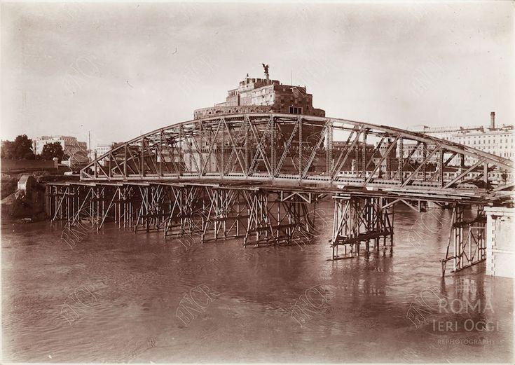 Tevere (1912) Il Ponte degli Alari fu costruito come alternativa in ferro a Ponte San'Angelo e venne demolito dopo la costruzione di Ponte Vittorio Emanuele. :)