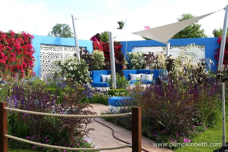 Final finishing touches being made to the Noble Caledonia: Spirit of the Aegean garden.  This garden was designed by Esra Parr and built by John Wood Garden Design Ltd. The garden was sponsored by Noble Caledonia.