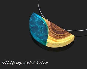 Hout hars paardebloem ketting, blauw hars paardebloem ketting houten ketting, modernistische ketting, kunst hanger, houten hanger, artisanale juwelen