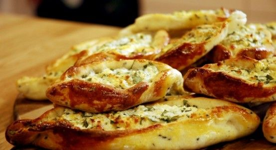 Peynirli Minik Pide Tarifi | Yemek Tarifleri
