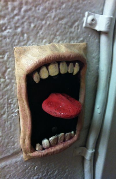 How to make a screaming light switch plate. Perfect for a haunted house!