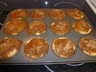 Easy Mini Apple Pies | Apples/Biscuit dough-10's++ | Pinterest