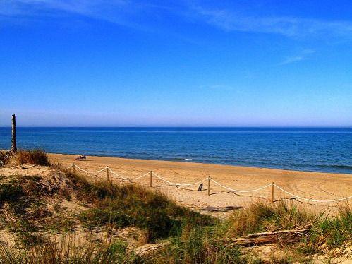 #Camping Los Llanos en la playa Les Deveses en #Denia, #Alicante http://www.campamentos.info/viewproperty/camping-los-llanos/67/es-ES