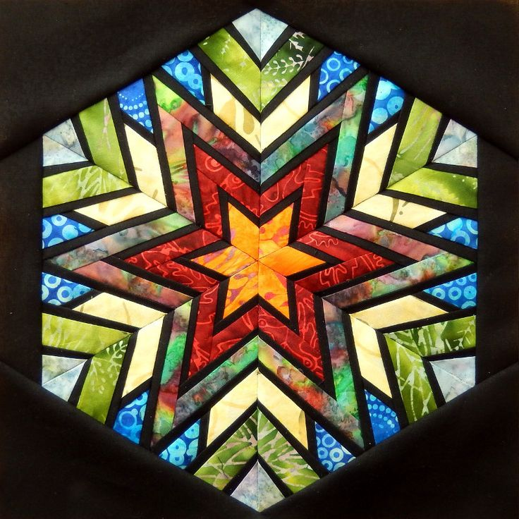 Every BOM reminds me of a stained glass window in a church - Block of the month - August 2016 - lenzula.de