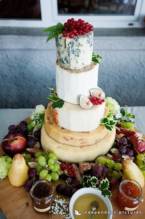 wedding cheese-cake, this is a super cool idea if you don't like sweet stuff or cake!! and its quite pretty too!