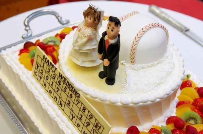 【福岡県久留米市 ホテルニュープラザKURUME・ウェディング】K様パーティー風景 野球がテーマ!ウェディングケーキ
