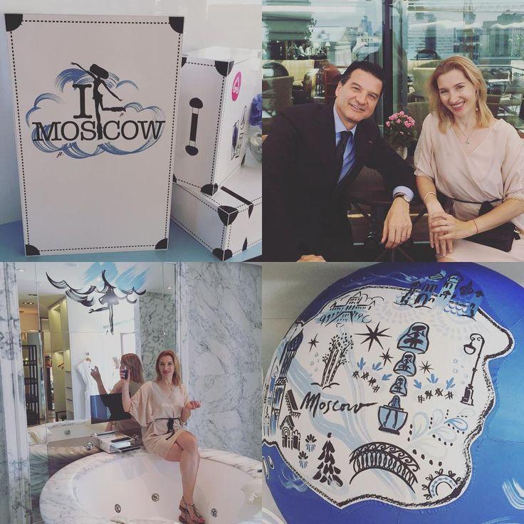 В Москву привезли новое маленькое чёрное платье. Пришлось срочно бежать на примерку в ванную в номере отеля #araratparkhyatt а потом расспрашивать подробности у создателя, парфюмера Дома Guerlain @thierrywasser иначе пришлось бы ждать до сентября, когда новый аромат #lapetiterobenoire с нотами сандалового дерева из Австралии и сахарной ваты появился в продаже. @glamour_russia #guerlainrussia #гурманскиеароматы #маленькоечерноеплатье #духиглавныйаксессуар