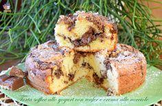 Torta soffice allo yogurt con wafer e crema alle nocciole-ricetta torta-golosofia