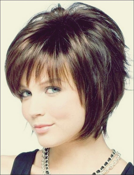 25 Wunderschone Kurze Frisuren Fur Frauen Uber 50 Frauen Frisuren Fur Kurze Trendy Short Hair Styles Short Hair Styles For Round Faces Short Hair Styles