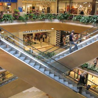 #Lyon #ShoppingCentre #Part-Dieu; my favorite place for shopping in Lyon, France; Chef Factory, Lyon détient un secret ancestral #CentreCommercial de la Part-Dieu