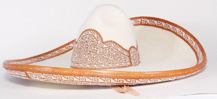 Sombrero de charro, bordado con pita. Zaragoza, Puebla. Pieza ganadora del XXXI Concurso  Nacional del Gran Premio de Arte Popular 2009.