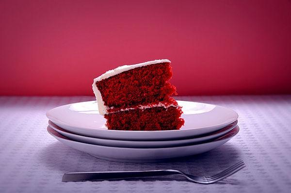 Los cubiertos y los platos podrían influir en la percepción de lo que comemos