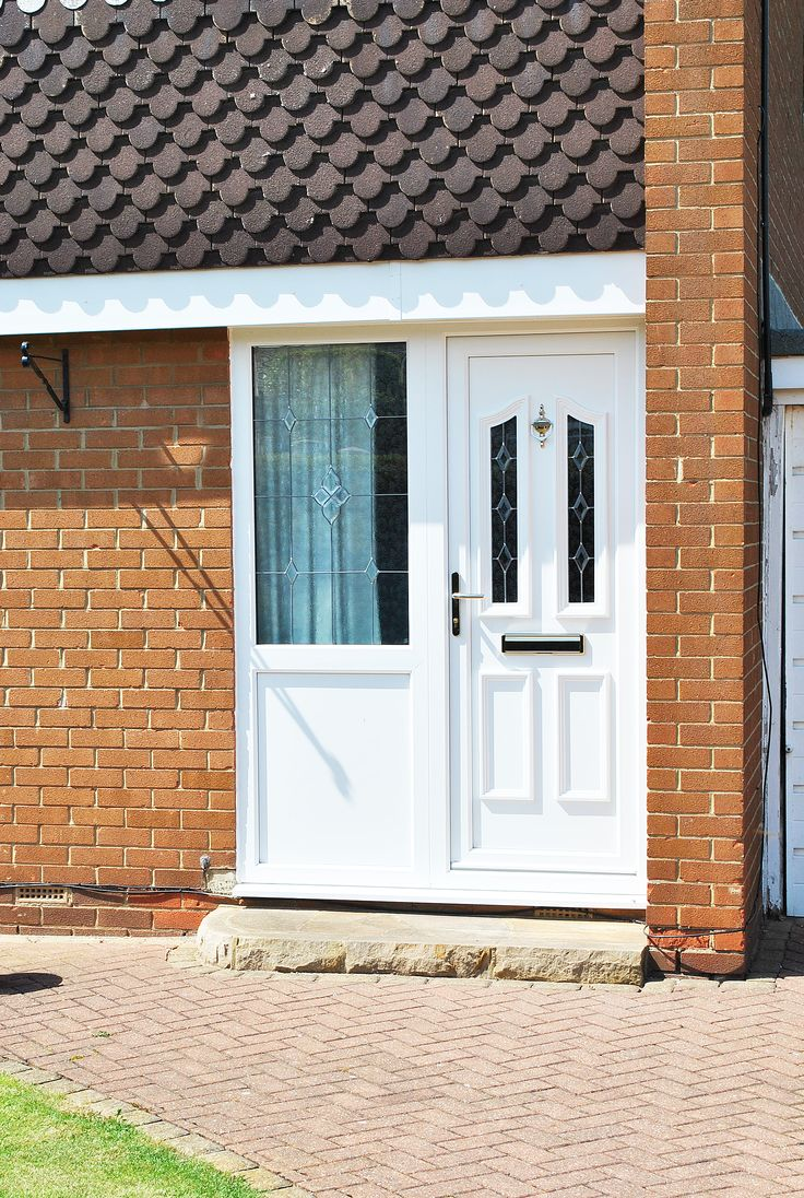 Fenesta upvc doors windows glass flooring - Beautiful Upvc Rehau Lincoln Door And Windows With Sparkle Glass Design In Side Panels And Top