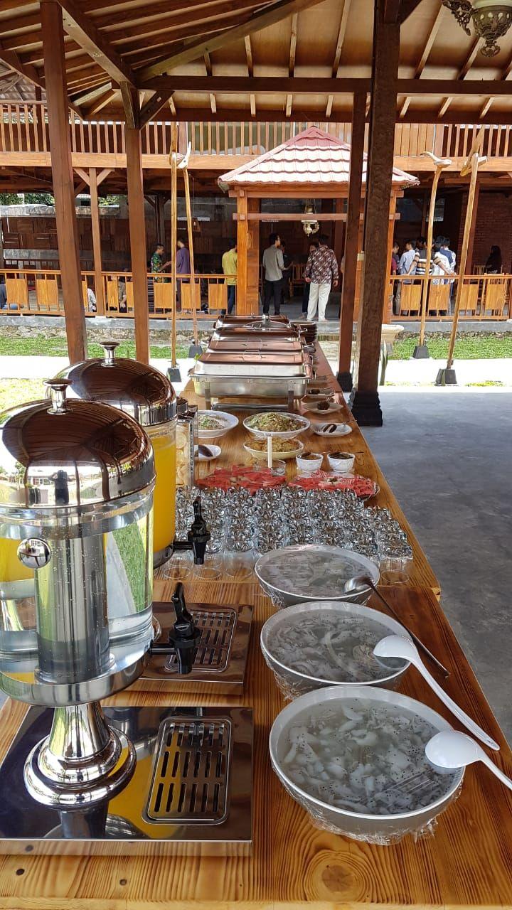 Menu Prasmanan Resto Taman Luku Makanan Minuman Taman