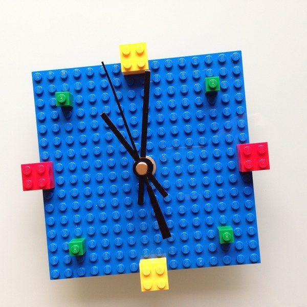 horloge en lego un tuto pour fabriquer une horloge en lego horloge le clavier et la peinture. Black Bedroom Furniture Sets. Home Design Ideas