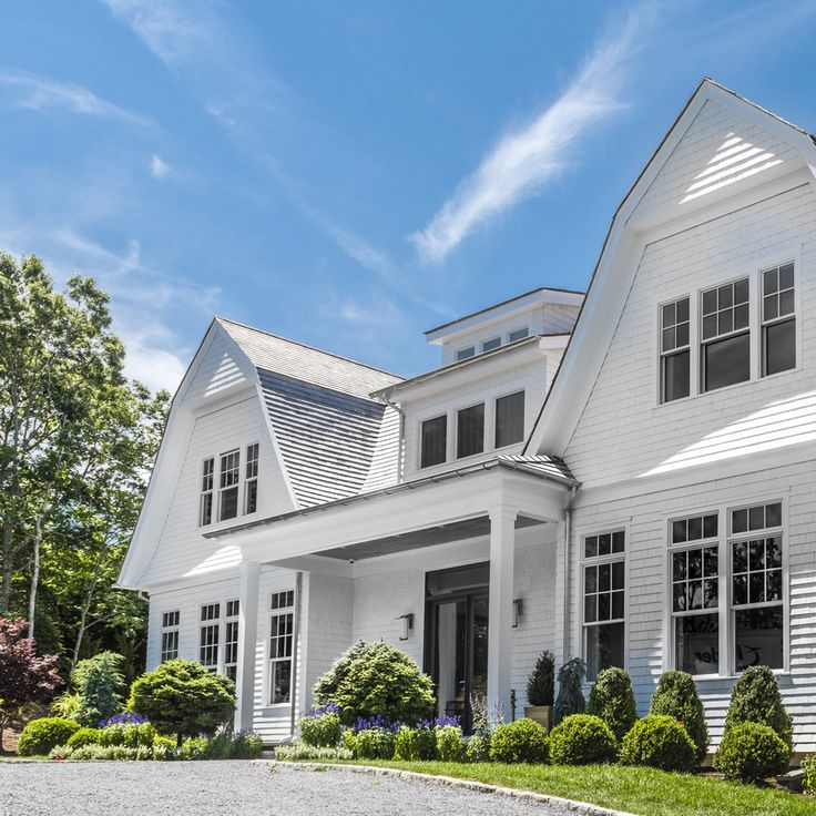 What's trending and a tour inside the 2016 Hampton Designer Showhouse, located…