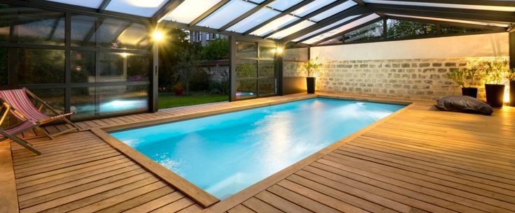 La piscine int rieure par l 39 esprit piscine piscine 8 x 3 for Revetement piscine miroir