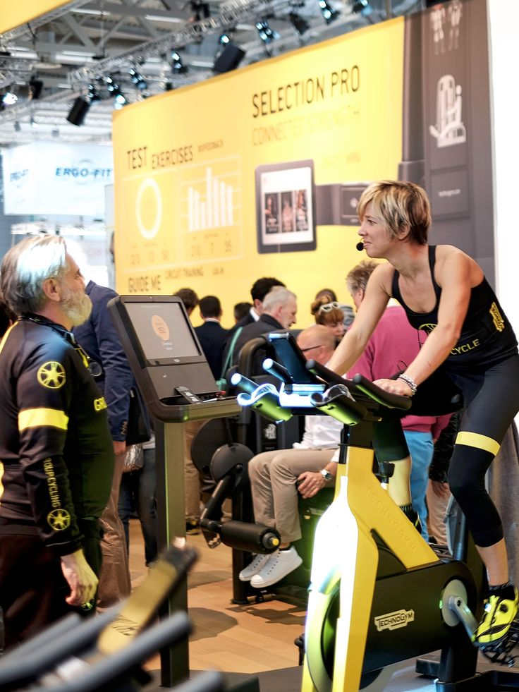 Technogym Indoor Cycling Bike auf der Fitnessmesse Fibo 2016 in Köln