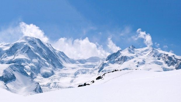 Mountains winter wallpaper HD free.