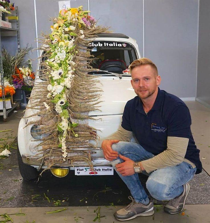 Mezőffy Tamás nyerte meg a Europe Cup – European Florist Championship 2016 elnevezésű európai virágkötészeti versenyt az olaszországi Genovában. http://viragutazo.hu/mezoffy-tamas-europa-bajnok-lett/