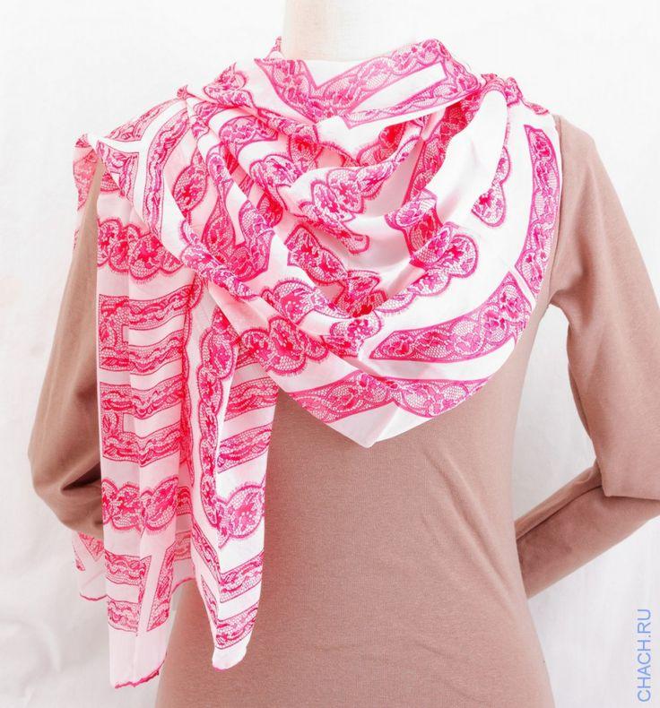 Шарф Valentino из мягкого шелка с ажурным розовым рисунком