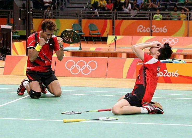 Tantowi Ahmad - Lilliana Natsir. Owi-Butet Menang Dua Set Langsung Di Olimpiade Rio 2016.  Penggantian 17 Kali Shuttlecock Dan Berlangsung Selama 45 Menit. Sebuah Kado Istimewa Medali Emas Olimpiade Di Dirgahayu Indonesia Yang Ke-71. #olimpiade #olimpiaderio2016 #indonesia #dirgahayu #RI71 #sport #sports #badminton #tantowiahmad #lilliananatsir #owibutet #instagood #instamood #instafollow #followme #likes #likeback #instalike #followforfollow #follow4folllow #like4like #instagram #olahraga