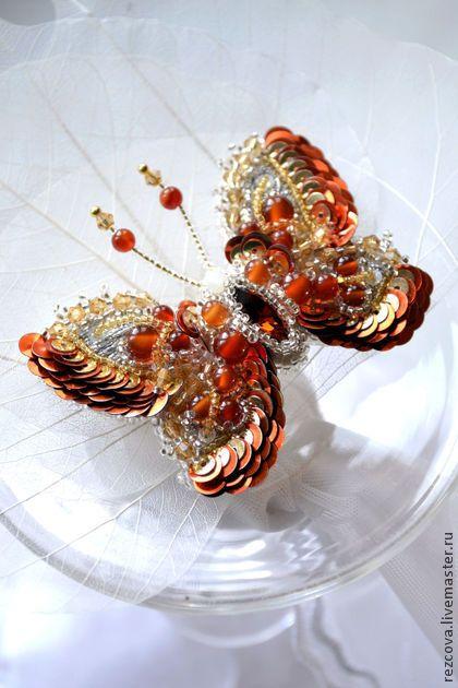 """Брошь - бабочка """"Cameron"""" - золотой,ручная вышивка,насекомые,природа,бабочка"""