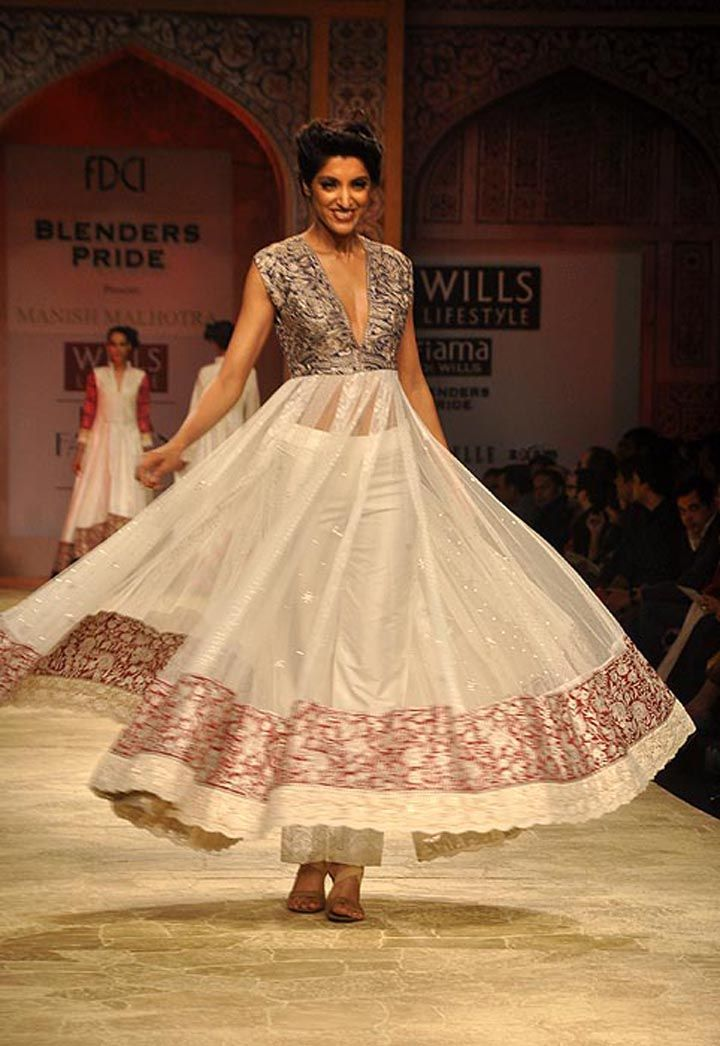 Manish Malhotra's www.manishmalhotr... at Wills India #Fashion Week, Feb 2012