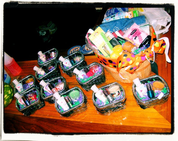 Door Prize Ideas For Christmas Party Part - 35: Game Prizes And Diaper Door Prize Raffle Basket