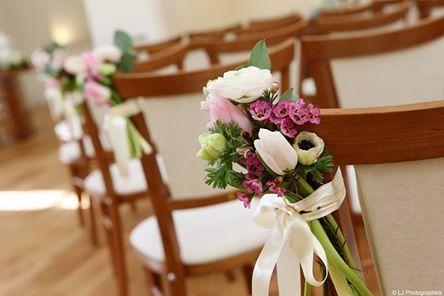 flowers on seats at farnham castle
