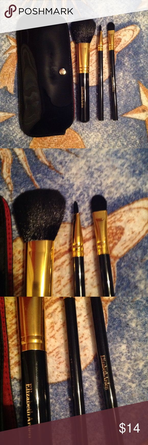Elizabeth Arden Makeup Brushes and Pouch I got these from a gift set a year ago for xmas, never used. They're in mint condition, except the logo on the middle brush has faded off from being in the pouch. Extremely soft bristles. I use the $1 e.l.f brushes so I have no use for these, want them to go to a good home ❤️😍 Elizabeth Arden Makeup Brushes & Tools