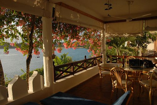 love it: Favorite Places, Dreamy Landscape, The View, Pads Thai Recipes, Africacoloni Style, Dreams Porches, Outdoor Spaces, Photo, Dreams Patio