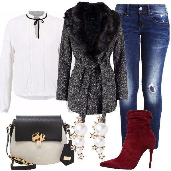 Outfit+pensato+come+regalo+alla+collega+e+amica+con+cui+dividiamo+le+nostre+giornate.+Jeans+skinny+con+strappi,+camicetta+off+white+con+scollo+a+V+profondo,+cappotto+classico+black+in+fantasia+melange,+con+collo+in+pelliccia+sintetica+removibile.+Lei+non+rinuncia+mai+al+tacco+quindi+ho+abbinato+stivaletti+passion+scamosciati,+a+punta+e+con+tacco+alto,+poi+tracolla+black/beige+e+per+finire+deliziosi+orecchini.