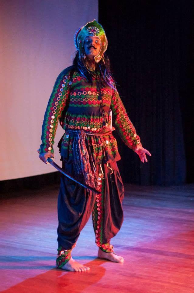 """Nos dias 24 e 25 de outubro,o espetáculo """"Shanti Ramayana"""" traz música indiana aoAuditório Antonio Carlos Kraide (Portão Cultural). Apresentações ocorrem às 20h nos dois dias. Ingressos custam R$ 20 a inteira e R$ 10 a meia-entrada. Produção é da companhia Krishna Natyam e da Jay Eventos Indianos. Atração leva ao palco a cultura indiana...<br /><a class=""""more-link"""" href=""""https://catracalivre.com.br/curitiba/agenda/barato/musica-indiana-no-portao-cultural/"""">Continue lendo »</a>"""
