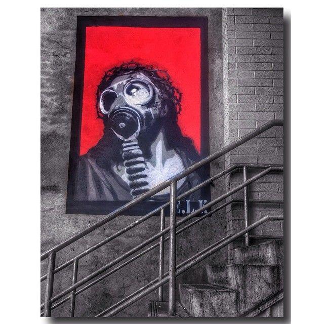 Gas Mask Jesus  Amazing artwork by #elk for #PUBLIC through #formgallery @formwa ❤️ #lazydaysandalleyways #rsa_graffiti #perth #australia #streetart #wallcandy #instagrafite  #royalsnappingartists #rsa_streetview #streetphotography #graffiti #urban  #instagood  #streetstyles_gf #streetstyles #rsa_light #rsa_dark  #streetsofperth #milagres #tv_colorsplash #colorsplash #colorsplash_kings #tv_hdr #gasmask #jesus