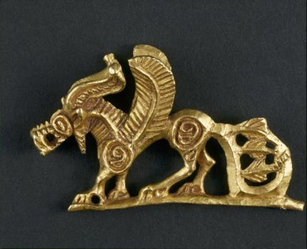 Figure of a griffin. Gold, 4th century BC  At the edges of the Persian Empire nomadic peoples also left traces. This area later became part of the Russian Empire, so the spectacular finds from excavations are now part of the Hermitages collection. These nomads from the Scythian Empire built monumental burial mounds known as kurgans. Remarkably, the first excavations date from the time of Peter the Great.