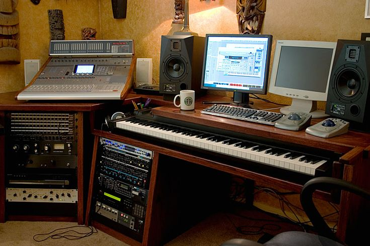 1000 images about my music studio on pinterest studios custom desk and the road. Black Bedroom Furniture Sets. Home Design Ideas